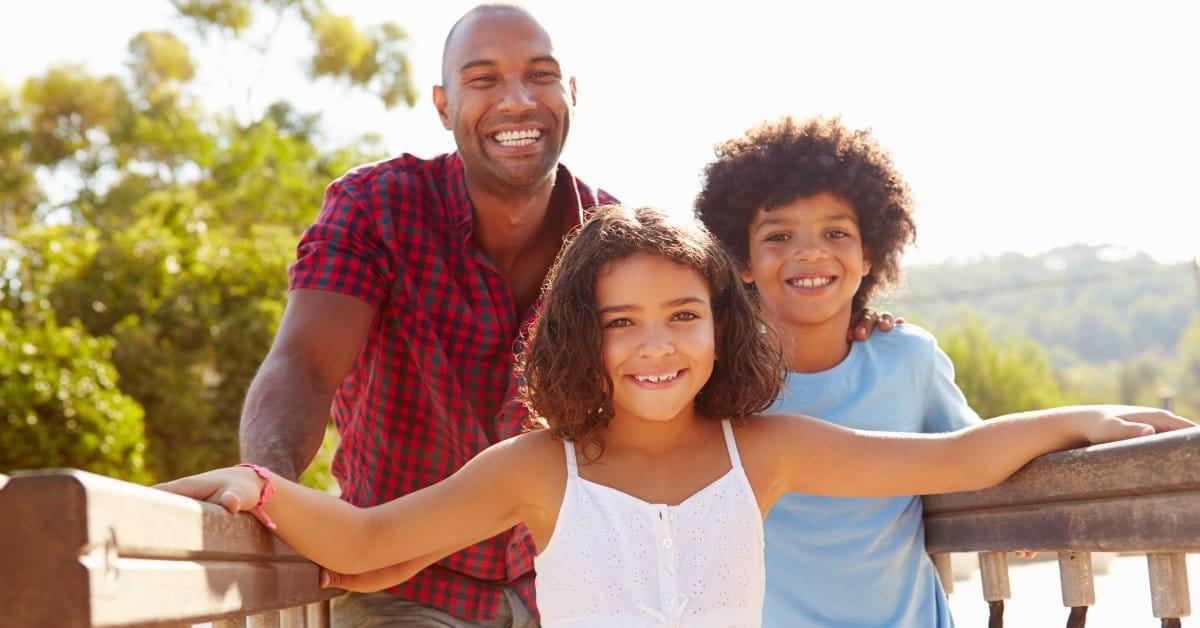 """El amor, la comprensión y la tolerancia son tres fundamentos para edificar familias sólidas. Descubra por qué, en este Podcast de Fernando Alexis Jiménez. <iframe src=""""https://anchor.fm/radiobendiciones/embed/episodes/Edifique-su-familia-bajo-principios-de-amor--comprensin-y-tolerancia-ed5pgq/a-a20rjkt"""" height=""""150px"""" width=""""750px"""" frameborder=""""0"""" scrolling=""""no""""></iframe> Encuentre nuestros Programas y Podcast con la etiqueta #RadioBendiciones"""